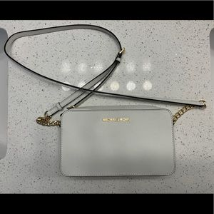 MICHAEL KORS Jet Set Medium Crossbody Bag